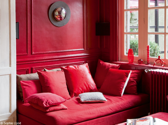 seeing red all over interiors by color