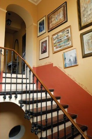 staircase-with-orange