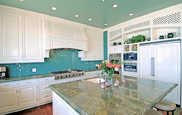 turquoise kitchen with white 1