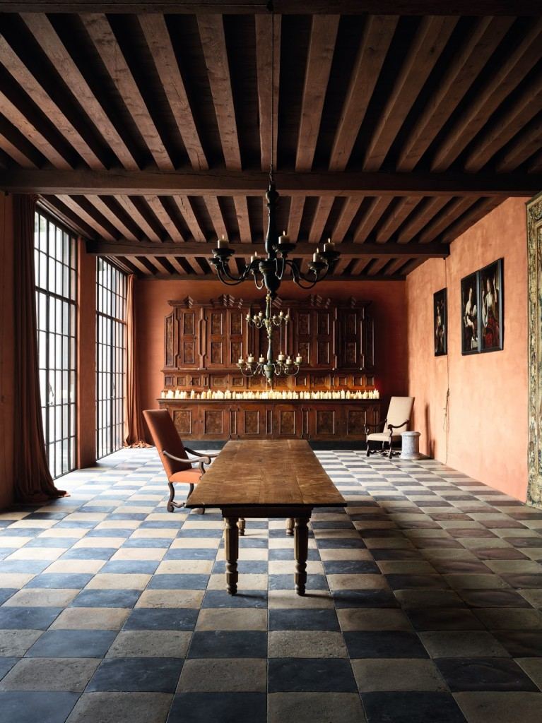 Axel Vervoordt's living with light CHATEAU