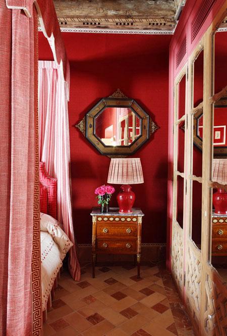 Lorenzo-Castillo-Seville-red master bedroom 2