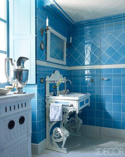 blue tiled clssic bathroom