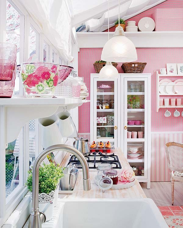 Pretty Kitchen In Pink And White