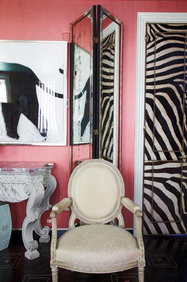 hbz-june-2013-fashionable-design-redds-living-room
