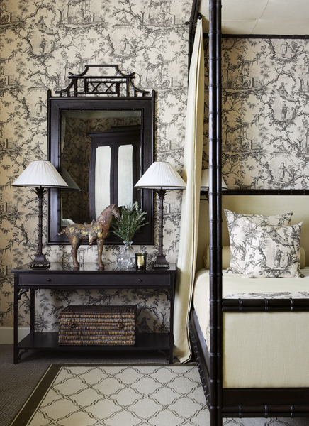 toile and orintental bedroom