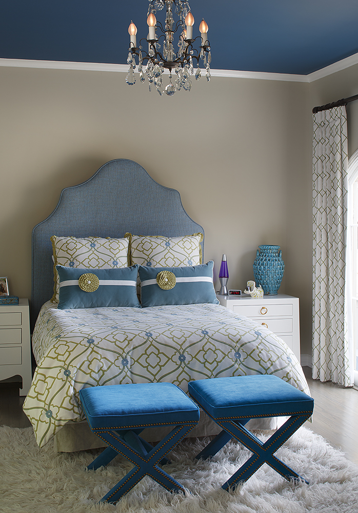 Most Beautifull Deco Paint Complete Bed Set: Opaque Blue With A Pop Of Turquoise