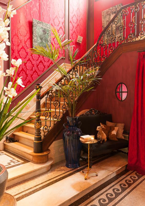 red damadk wallpaper 1