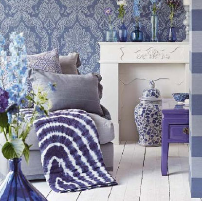 decorating-with-bluee-wallpaper