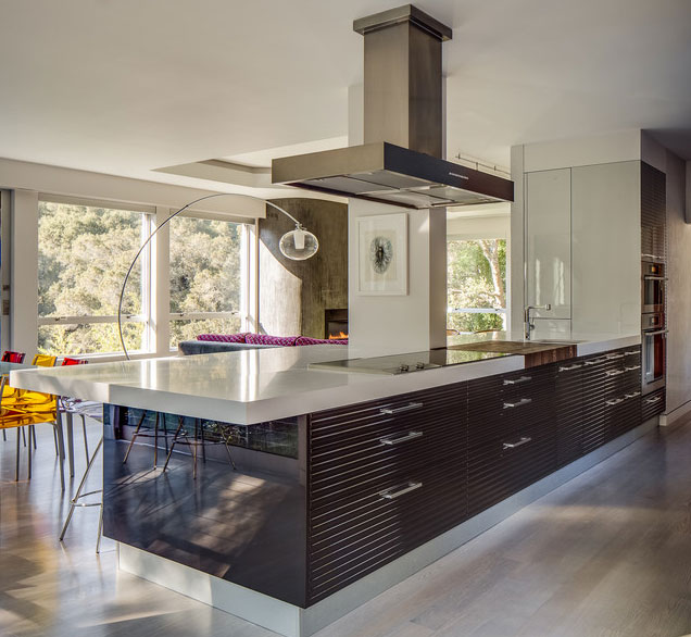 modern-kitchen-in-primary-colors-2