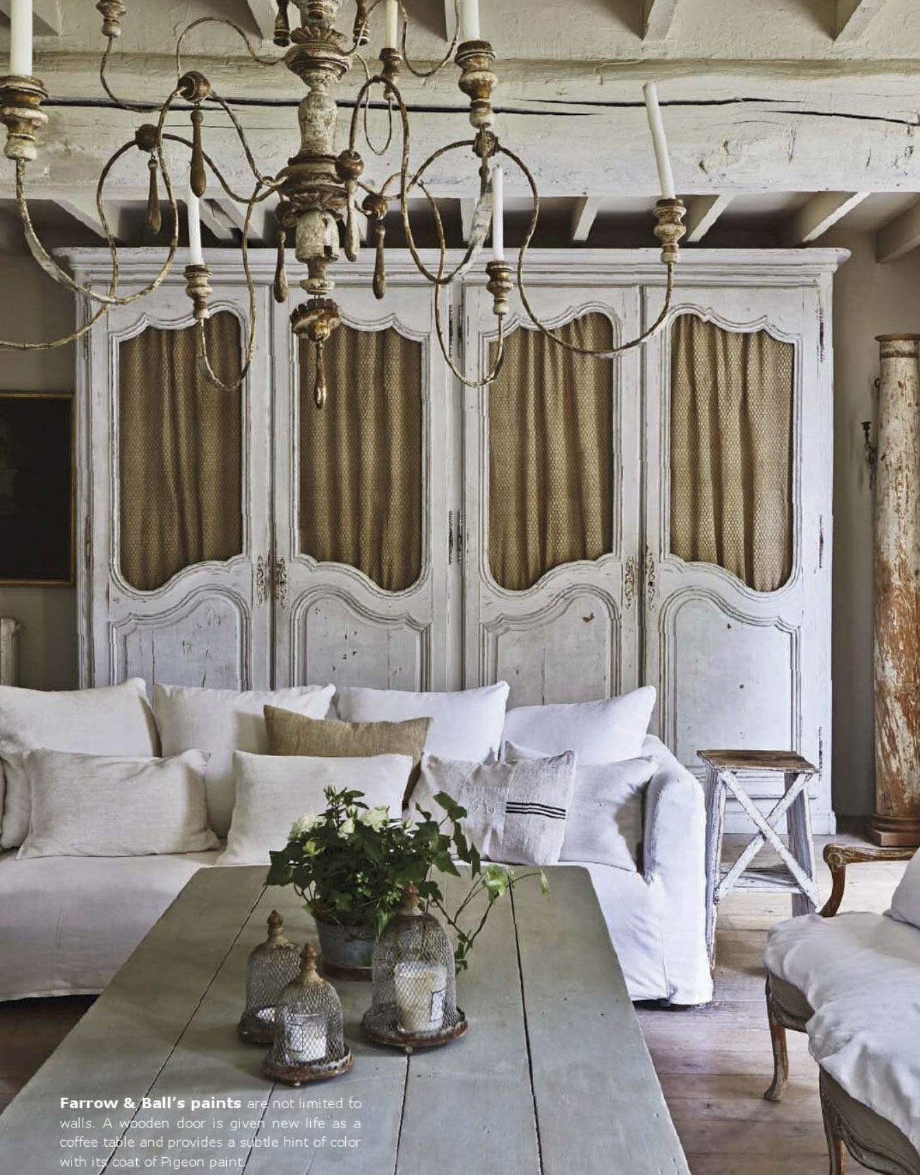 Shabby neutral tones interiors by color for Shabby chic interior designs