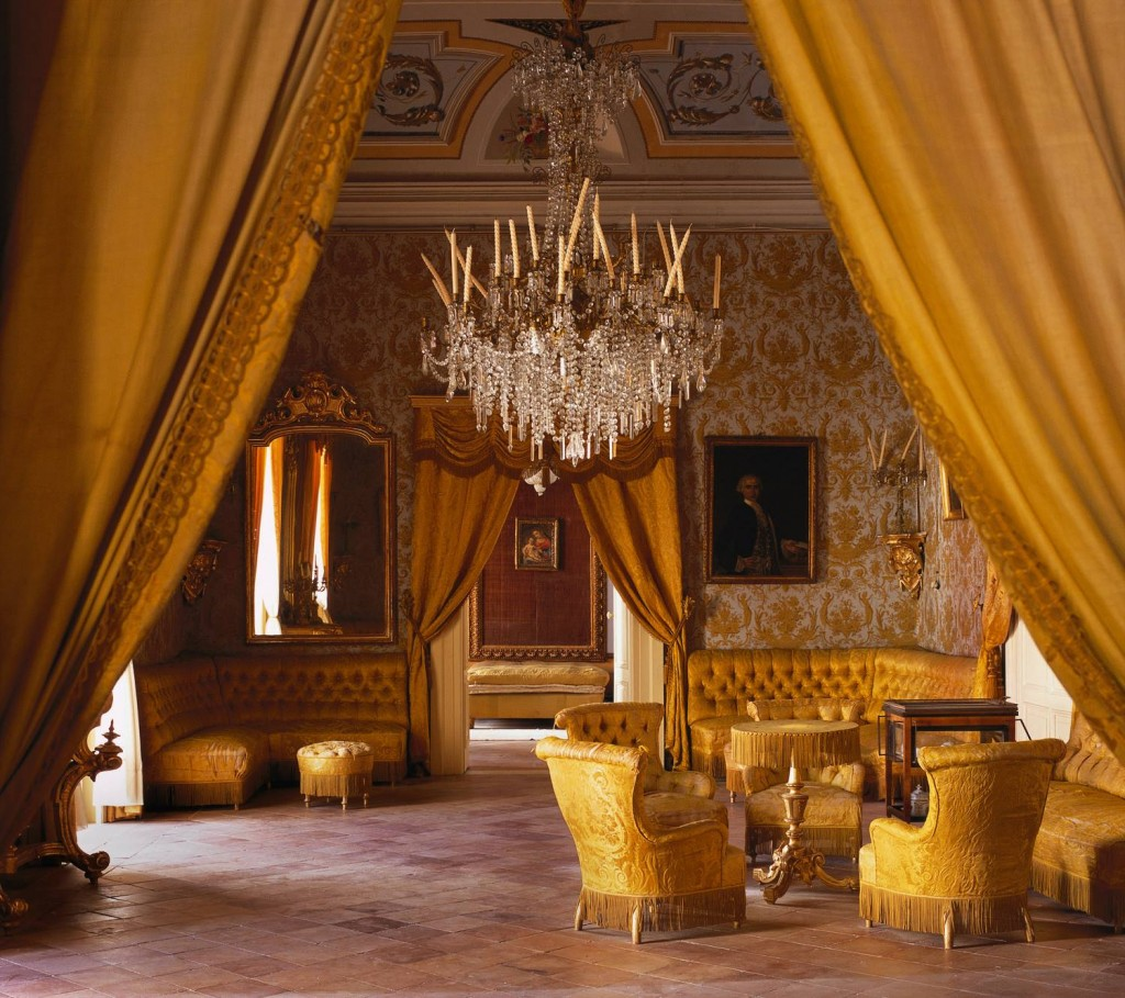 Antique Sicilian Living in Yellow