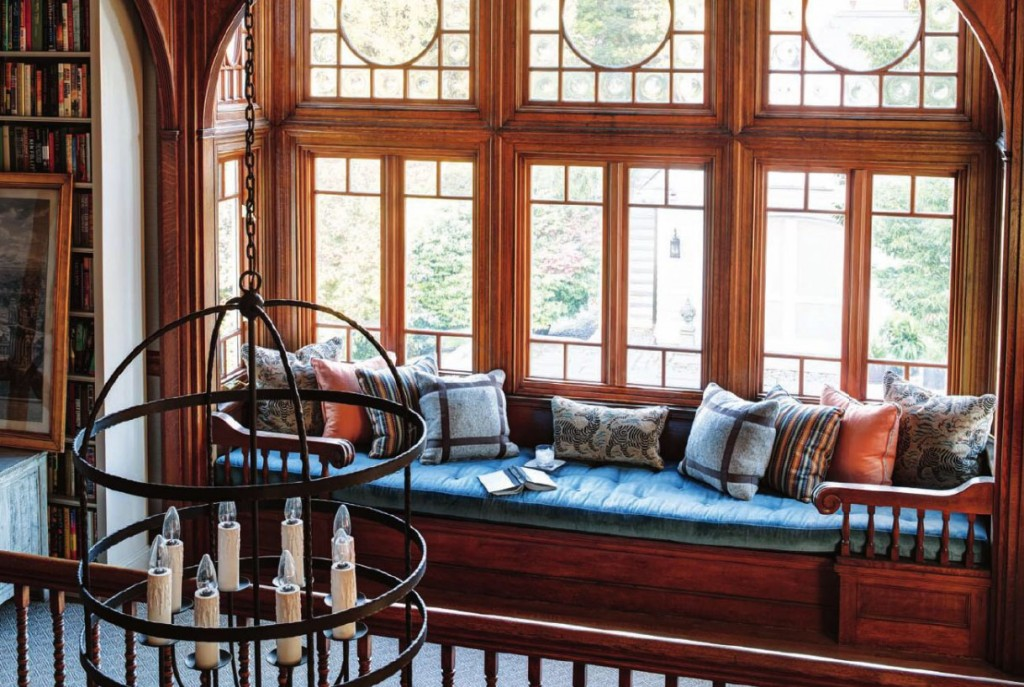 Fancy-This-from-New-England-Home-window-seat