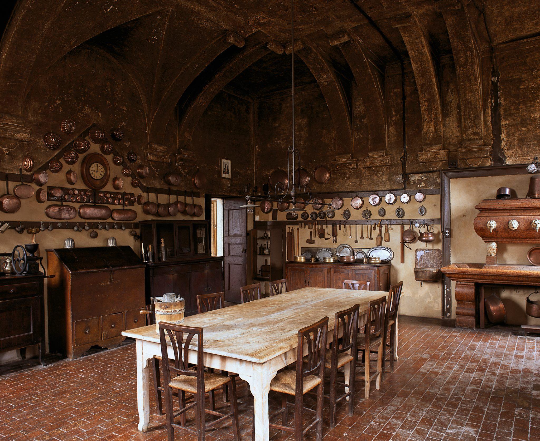 Villa fracanzan piovene kitchen interiors by color for Maria s italian kitchen menu