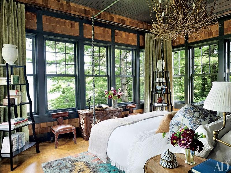 boathouse master bedroom