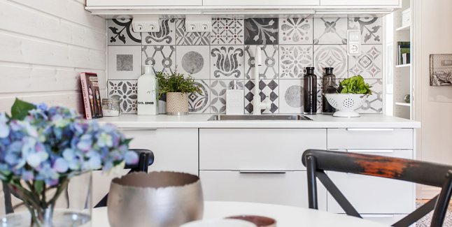 Black and white pattern cement tiles interiors by color for Cement tiles for kitchen