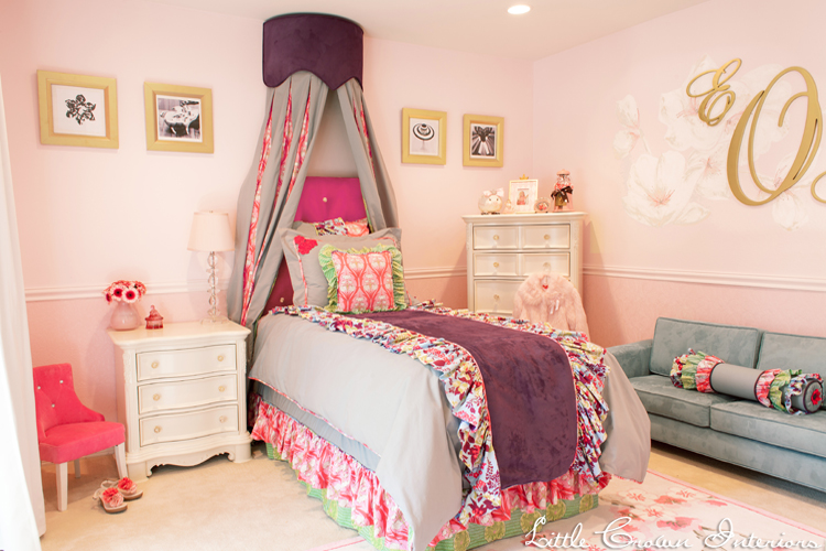 Girls bedroom in pink and green interiors by color for Pink and blue bedroom
