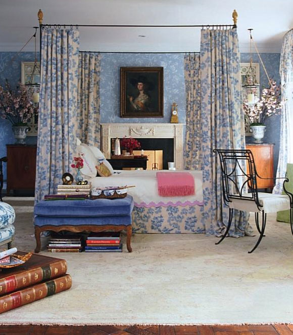 Small Bedroom Curtains Traditional Master Bedroom Interior Design Bedroom Decorating Ideas And Bedroom Furniture Bedroom Decor Stores: Traditional Master Bedroom In Floral Blue