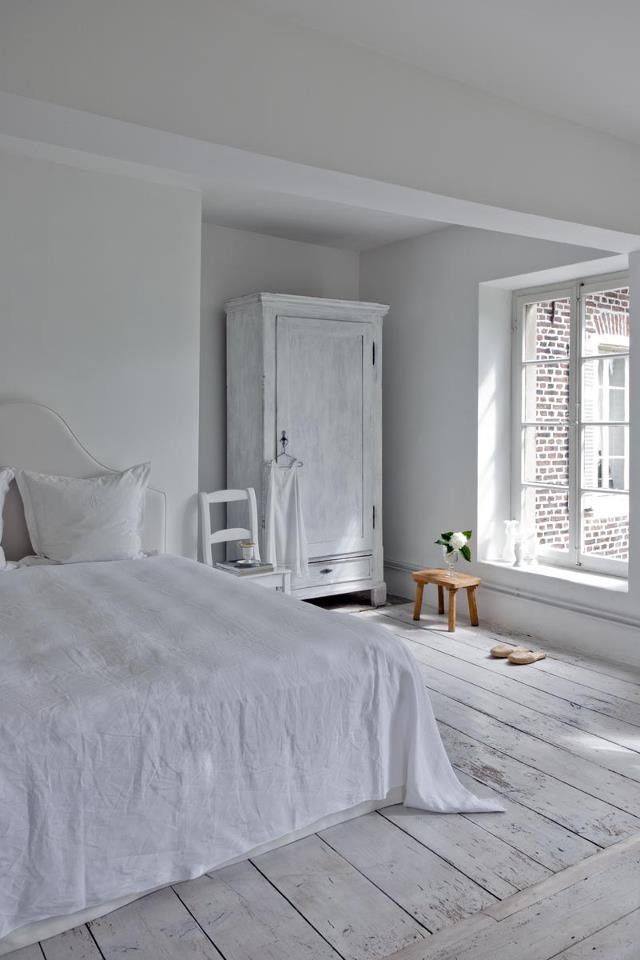Bedroom - Completely White