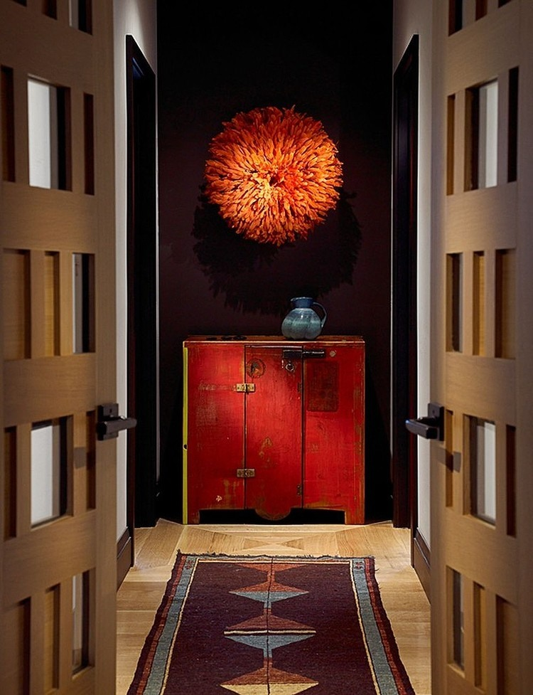 entry way brown and red