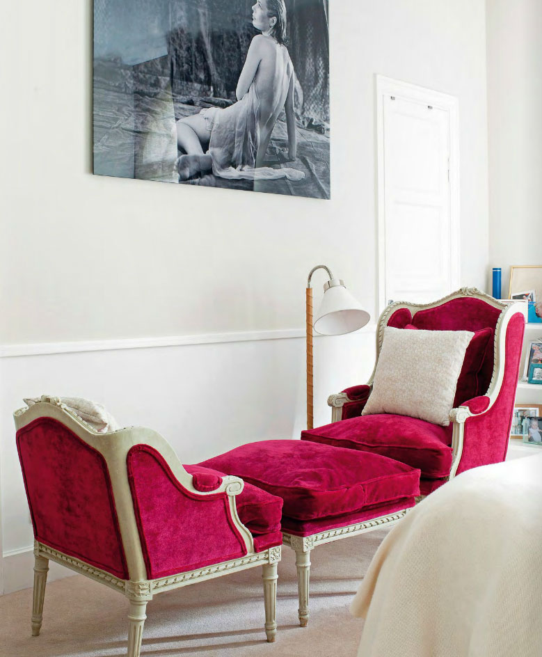 pink-antique-ottoman-and-chairs