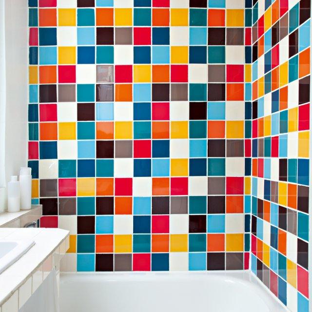 Дизайн с цветной плиткой