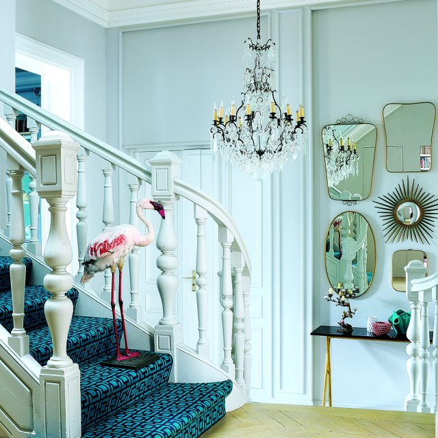 entry interior with mixed styles