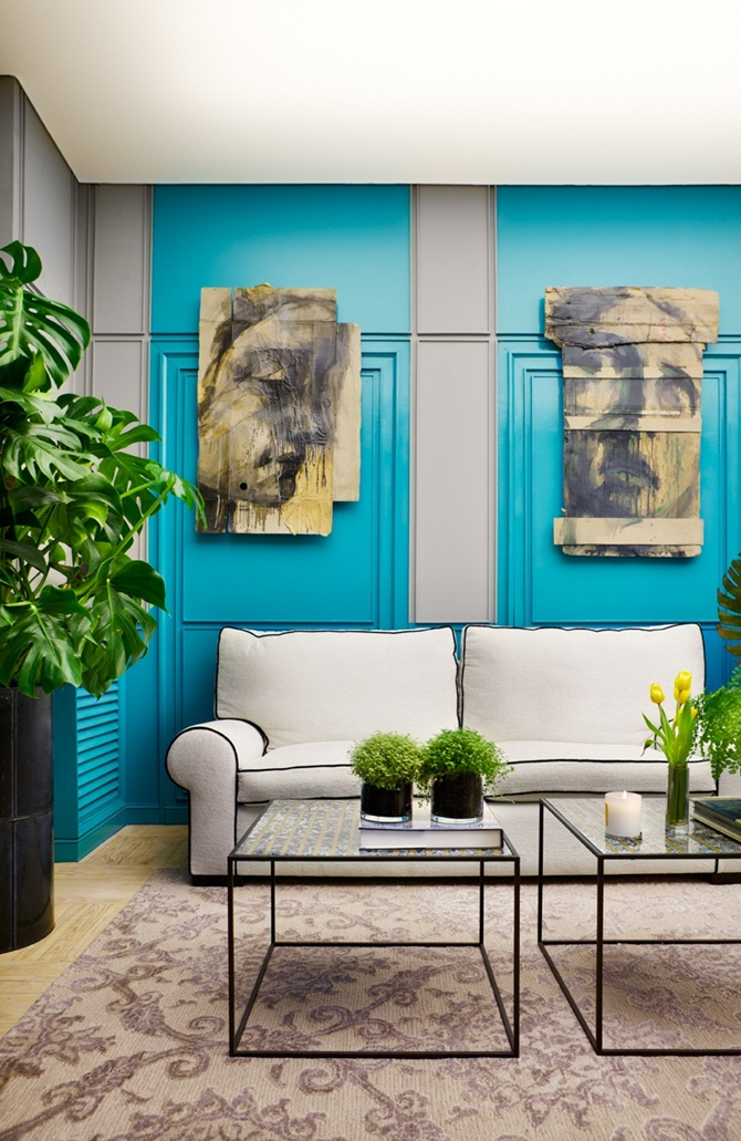 turquoise wall living