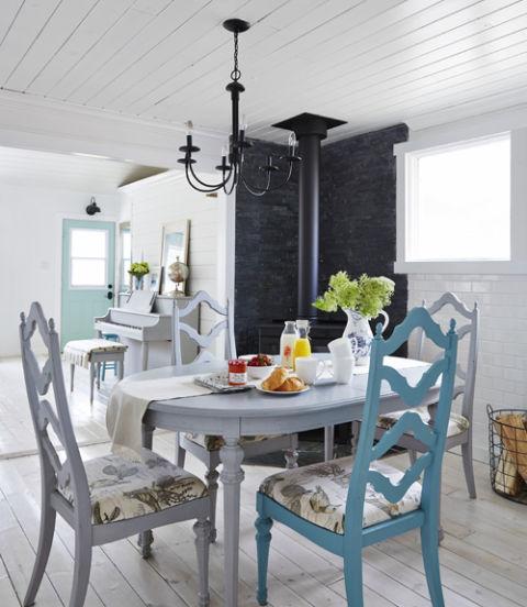 Small Cottage Dining Room Ideas: Charming Tiny Farmhouse