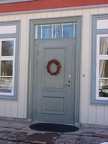 Benjamin Moore Puritan Gray Door