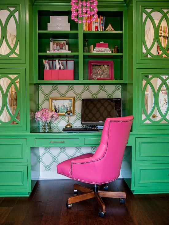 Study Desk in Pink and Green - benjamin moore bunker green 3