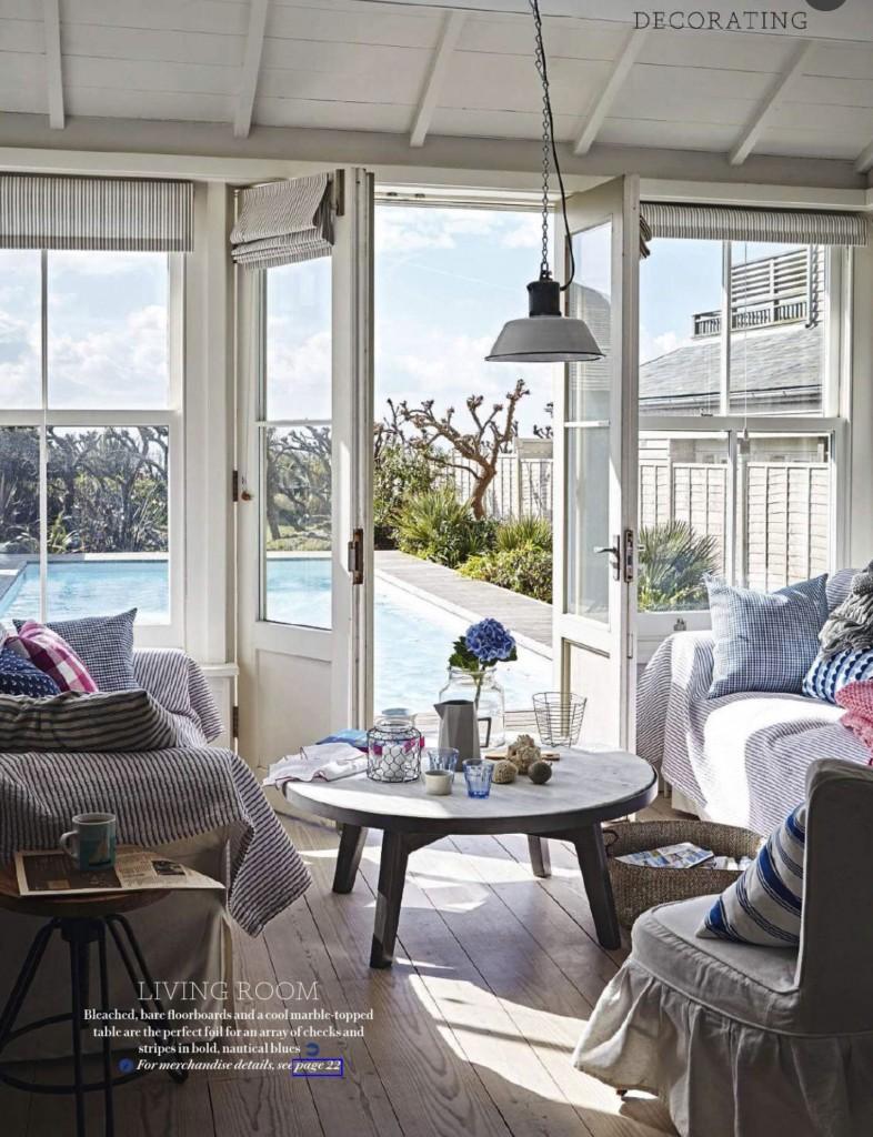 seaside-country-living-room