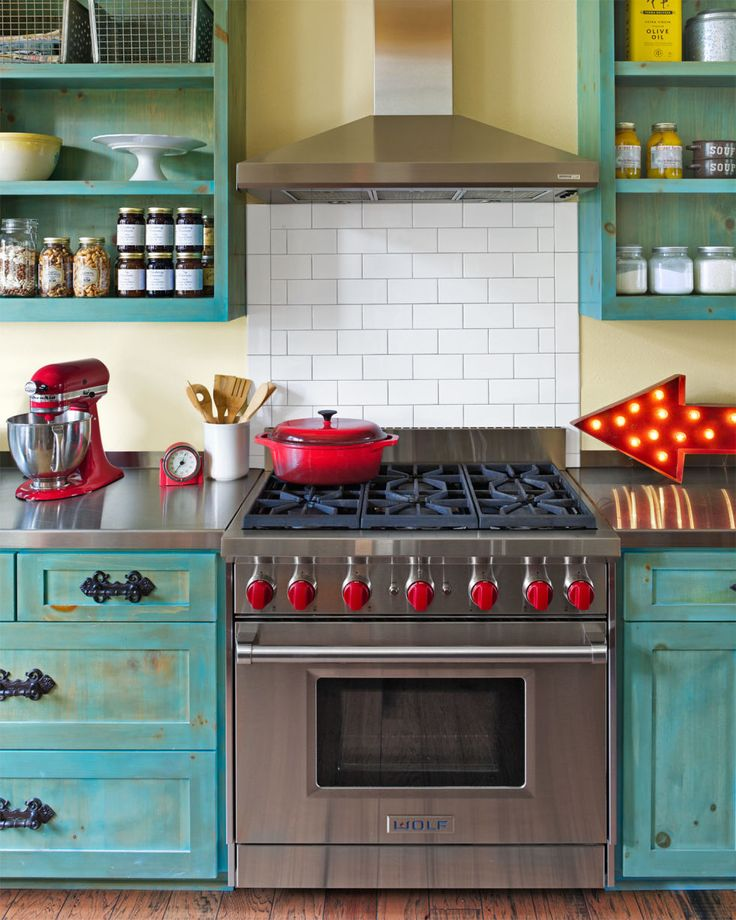 retro vintage red and turquoise kitchen