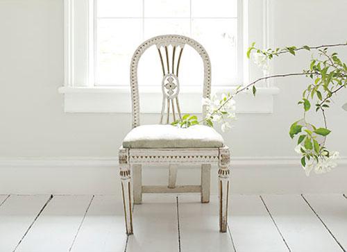 WhitewWhite_Chair. WhitewWhite_LivingRoom