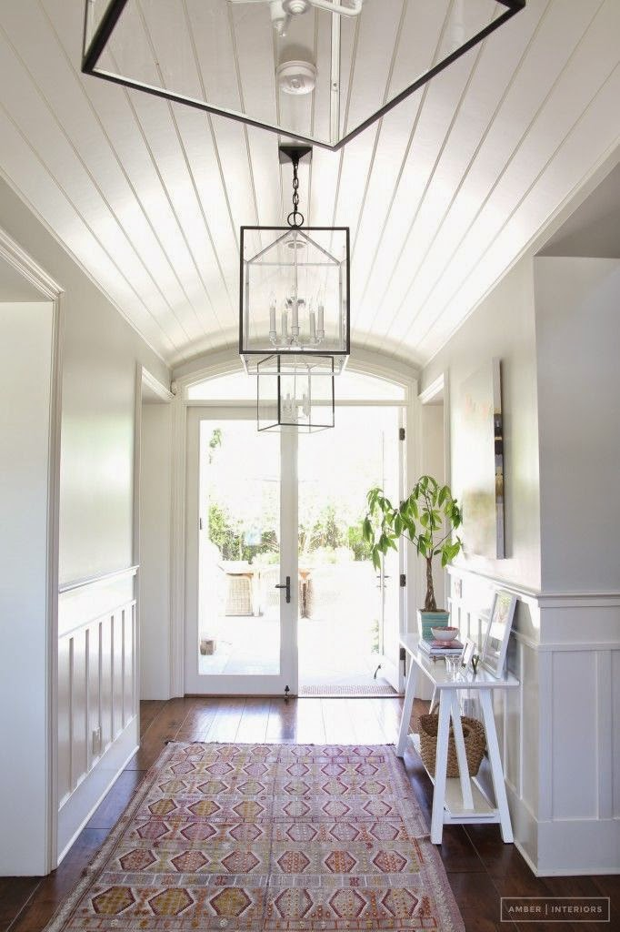 Minimalist Beach House: 9 Calm Interior Color Palette And Paint Color Ideas