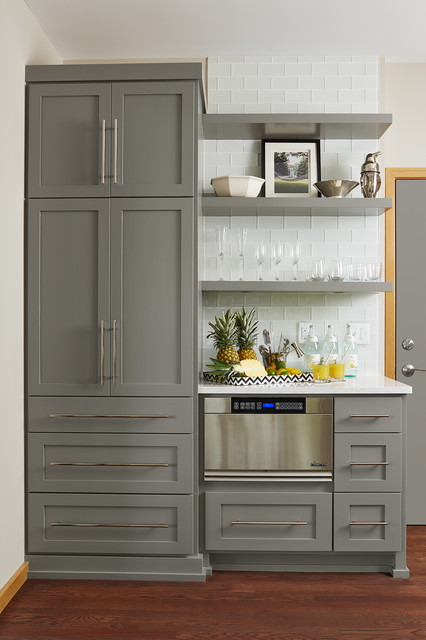 Gray kitchen cabinets in Benjamin Moore Chelsea Gray