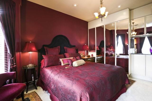 Opulent Bedroom Wallpaper