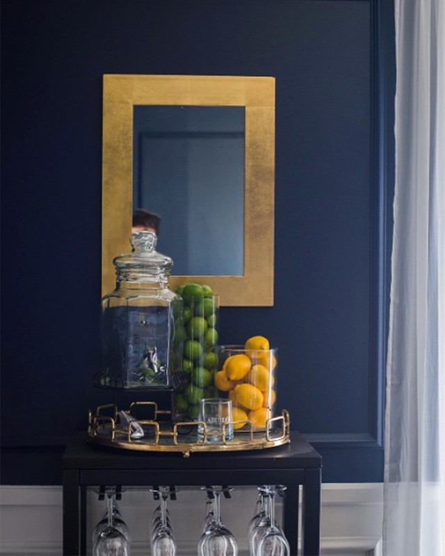 Benjamin Moore Deep Royal Walls