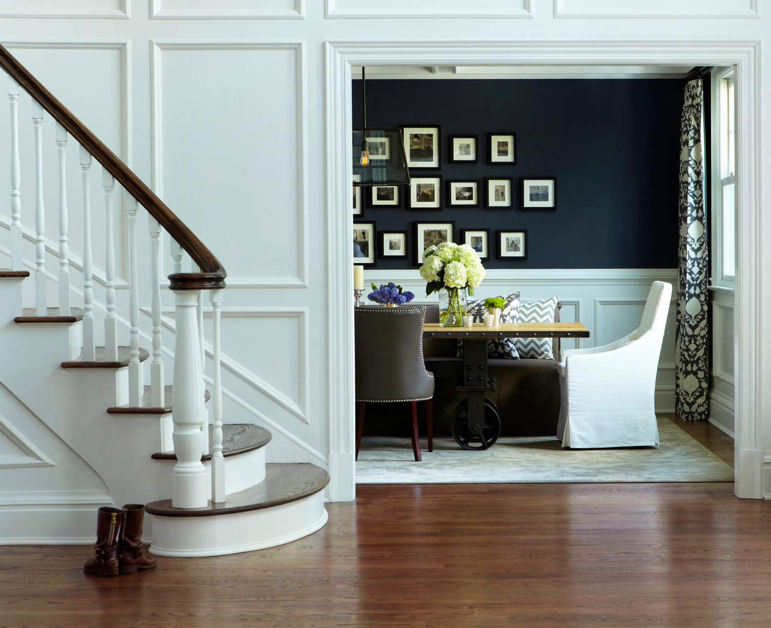 Benjamin Moore Deep Royal dining