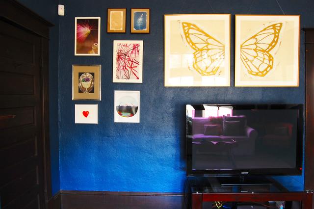 Benjamin Moore Deep Royal living room walls