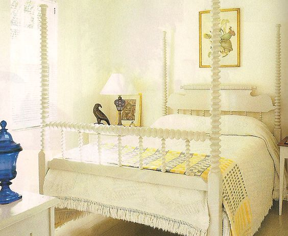 Guest bedroom in Albert Hadley's Naples, FL home in white and yellow