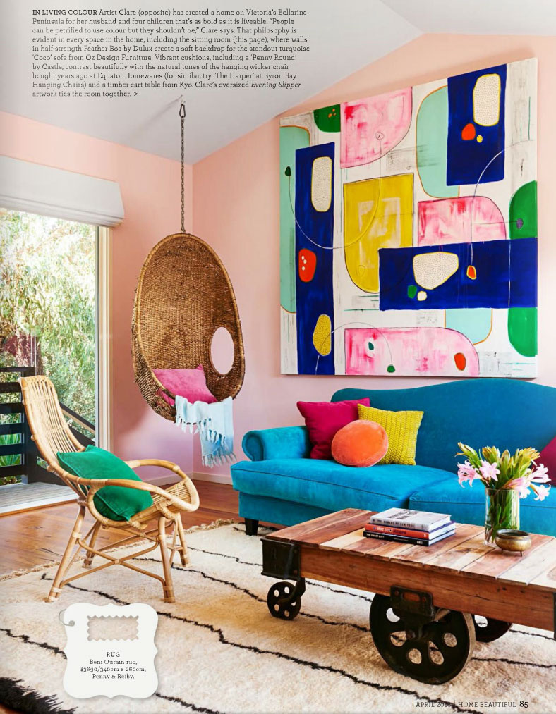 Walls painted in half strength Feather Boa by Dulux