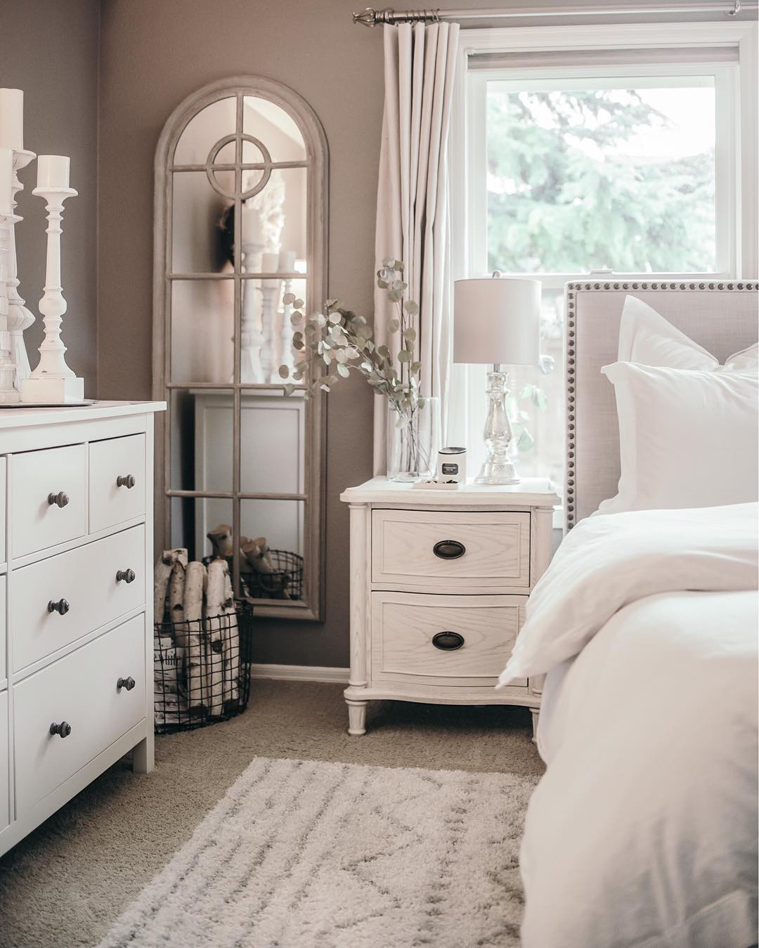 Houses of instagram a bedroom in calm tones of white and gray for Dresser ideas for small bedroom