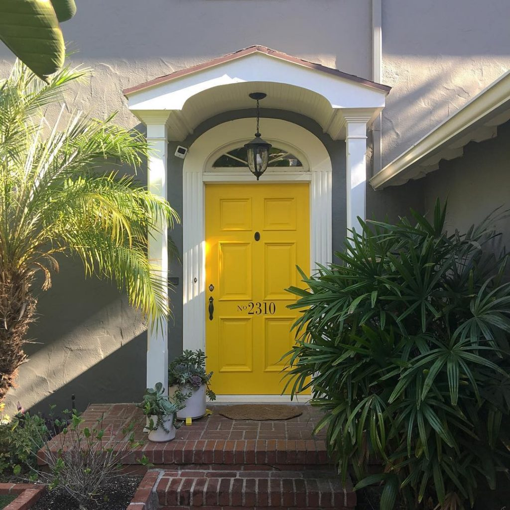 Benajmin Moore Yellow 2022-10 Door