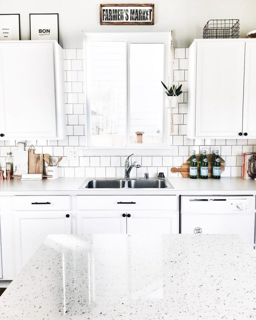 Benjamin Moore simply white kitchen paint
