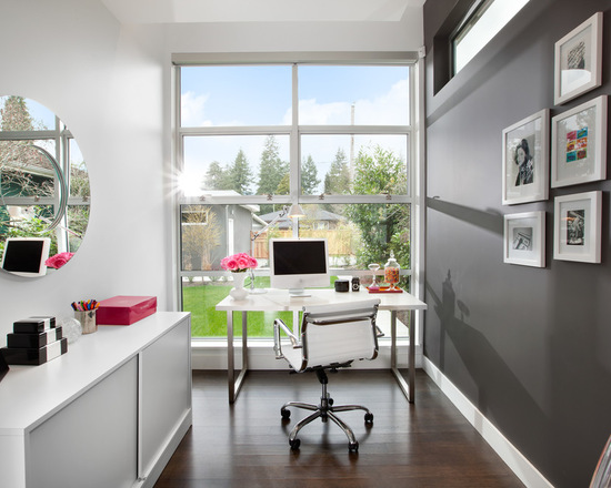 Benjamin Moore Kendall Charcoal office feature wall