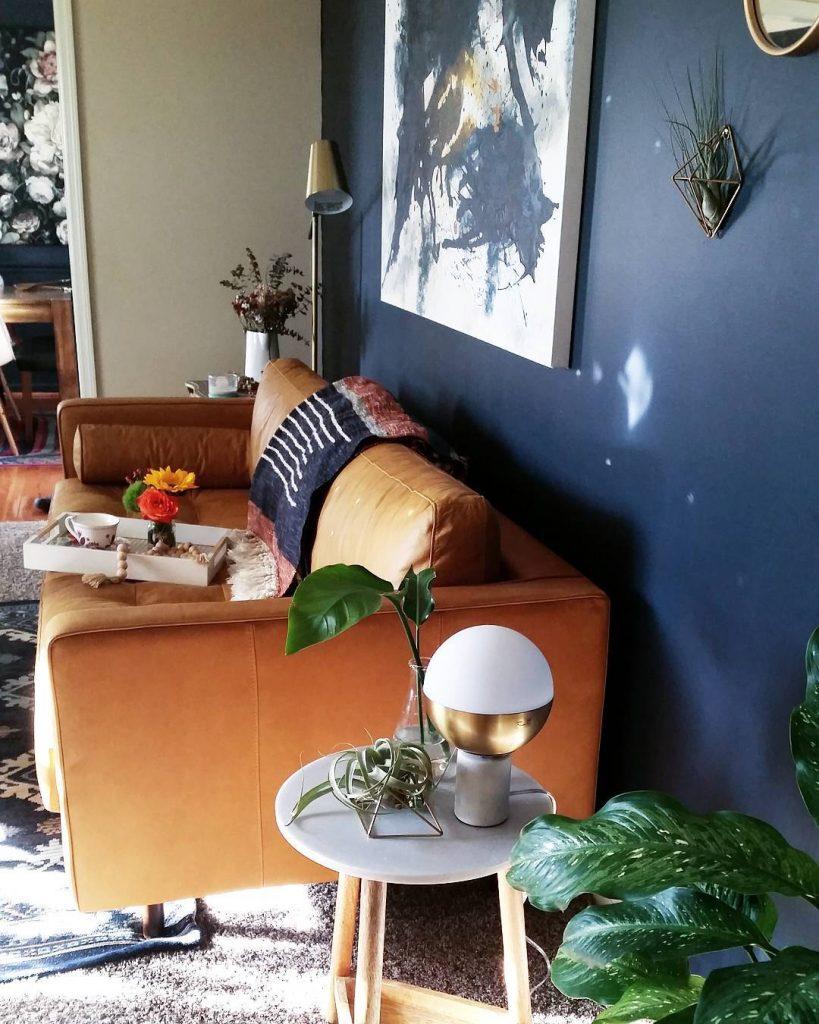 Benjamin Moore Hale Navy Living room
