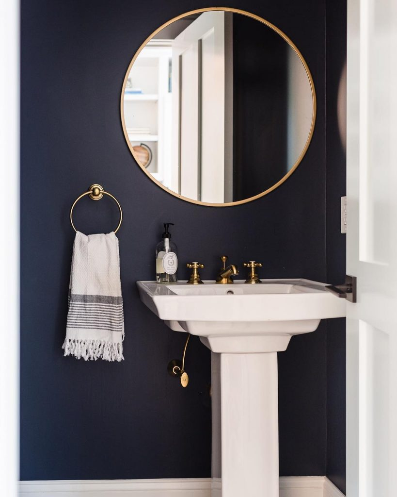 Benjamin Moore Hale Navy paint bathroom ideas