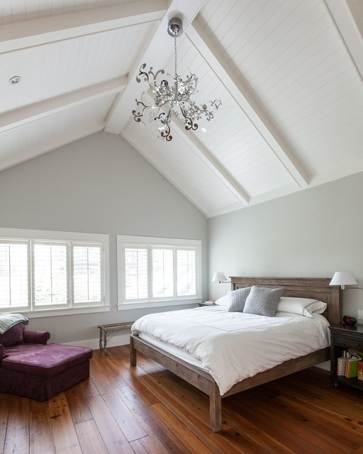 Traditional bedroom painted in Benjamin Moore Gray Owl