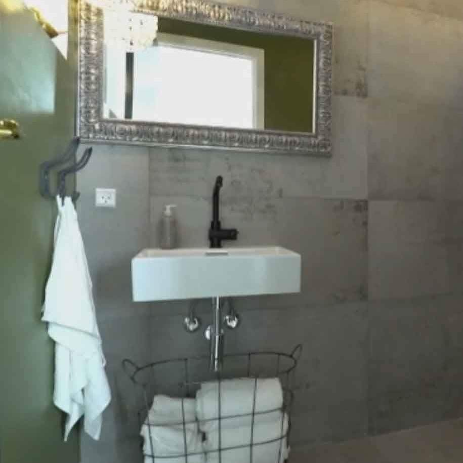 concrete tiles walls shower