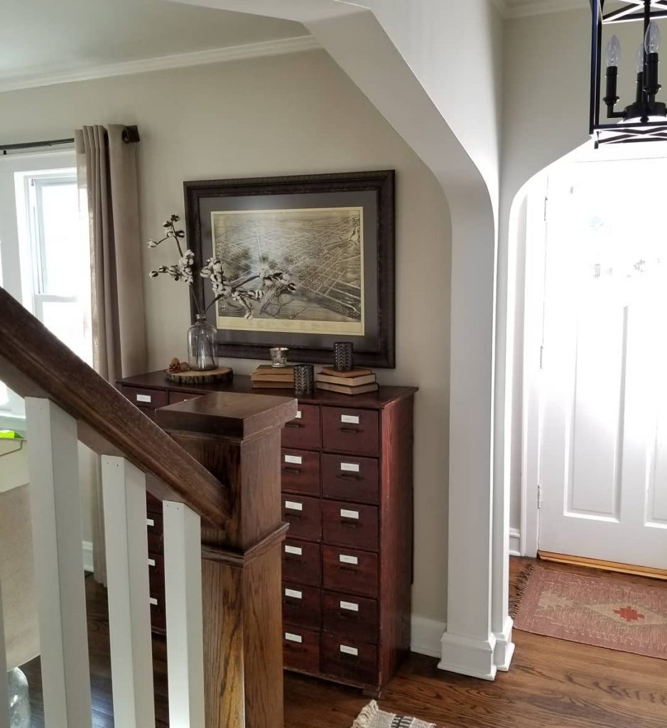 Benjamin Moore Edgecomb Gray Paint Color Scheme staircase foyer